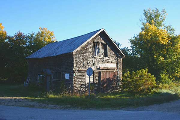 Kevin Land barn image